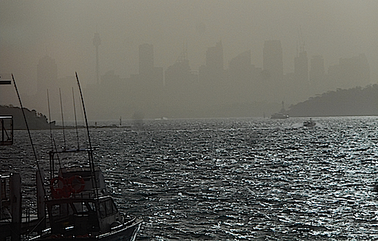 city under smoke from bushfires